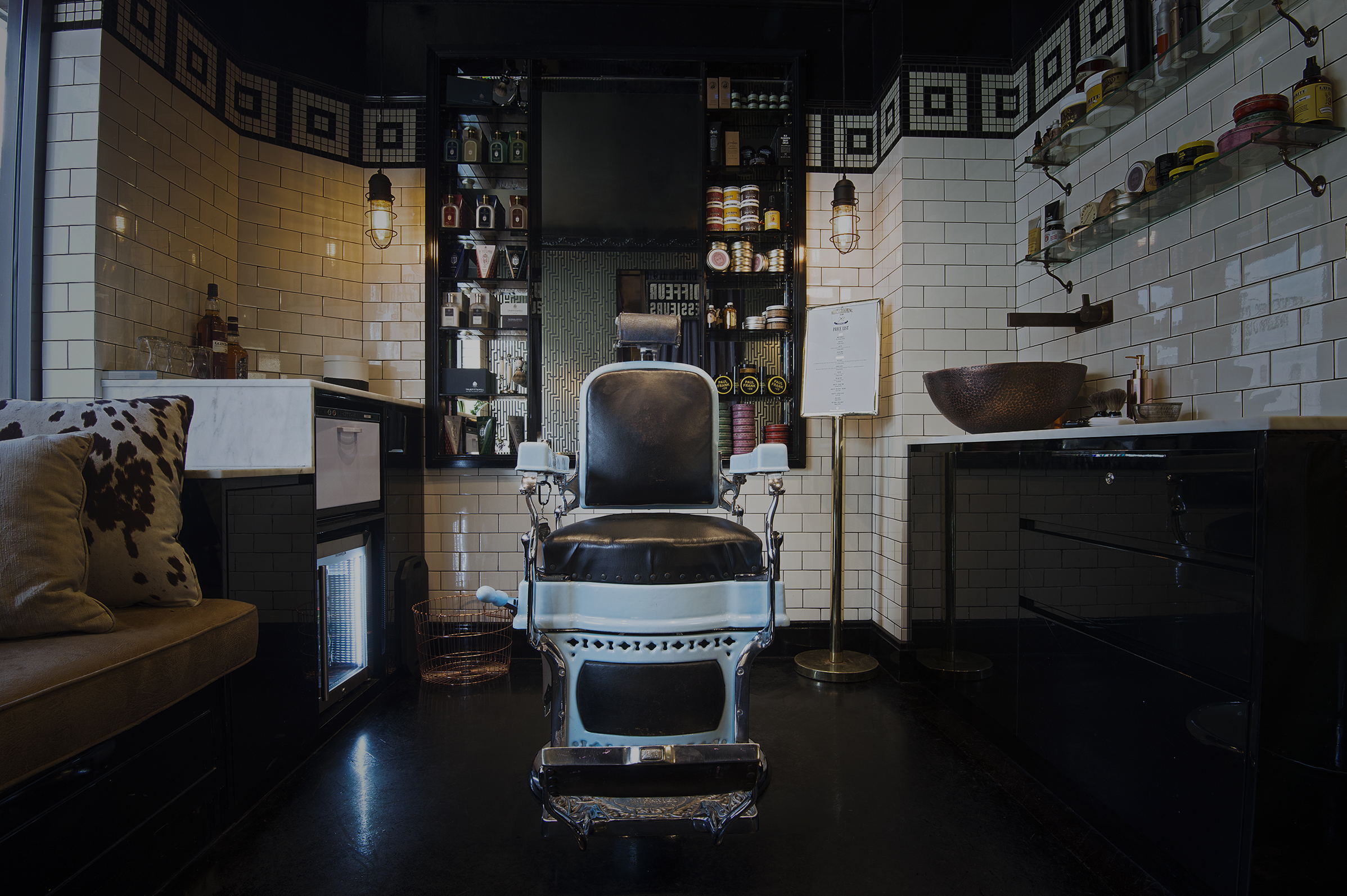 THE MEN'S GROOMING ROOM